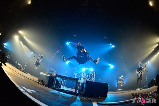 【ライブレポート】ONE OK ROCKがEARTH STAGEに登場しラストは『The Beginning』を披露!