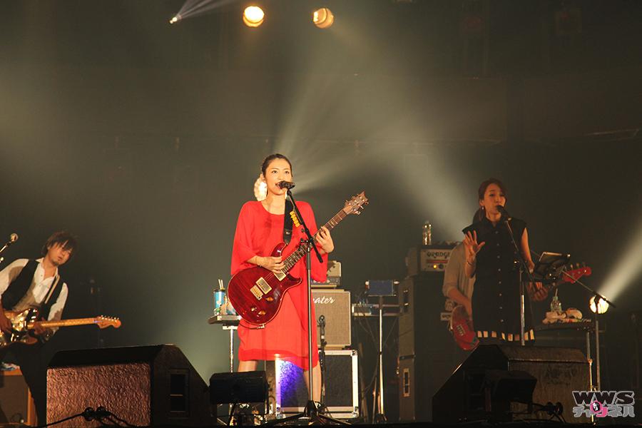 【ライブレポート】miwaがCOUNTDOWN JAPAN 15/16で噂のドラマ主題歌からスペシャルゲストとのデュエットまで披露!