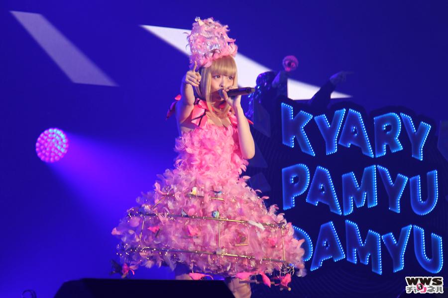 【ライブレポート】きゃりーぱみゅぱみゅがCOUNTDOWN JAPAN 15/16をクラブのノリで盛り上げる!