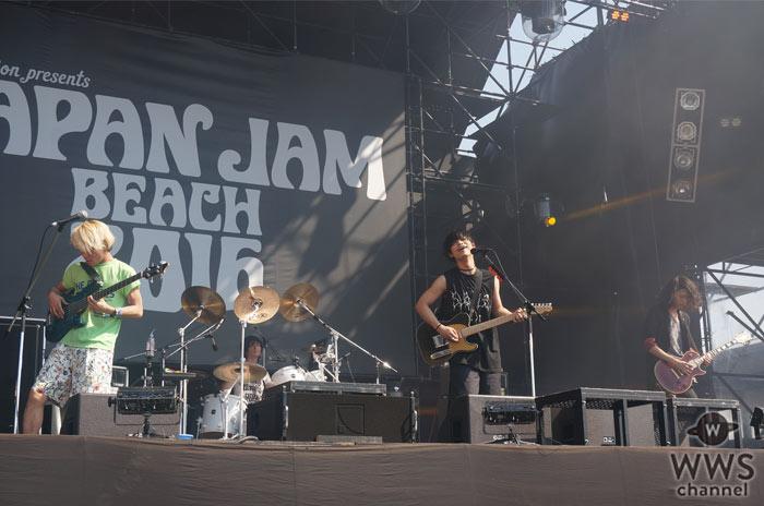 【ライブレポート】BKW(番狂わせ)バンド・THE ORAL CIGARETTESが奏でる狂乱キラーチューン!JAPAN JAM BEACH 2016