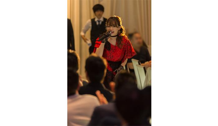 篠崎愛が芸能活動10周年記念イベントでメジャーデビュー曲『口の悪い女』を初披露!強めでブラックな篠崎愛が表現された楽曲