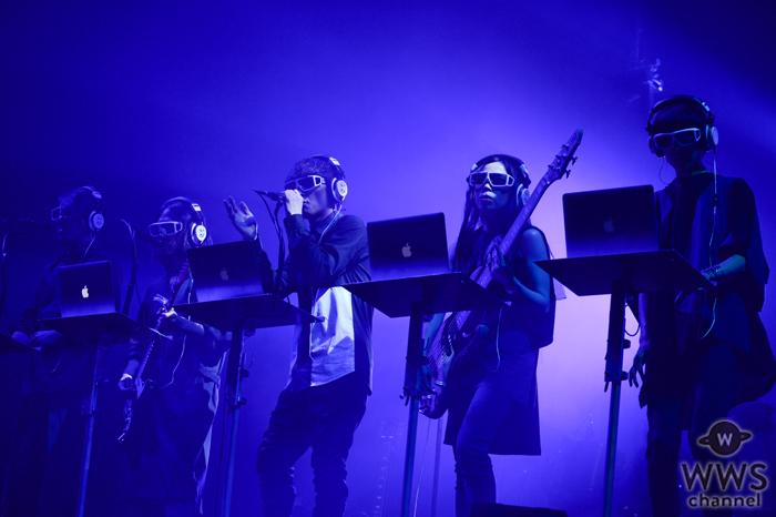 【ライブレポート】サカナクションがVIVA LA ROCK初日のトリに大観衆を集めてのパフォーマンス!