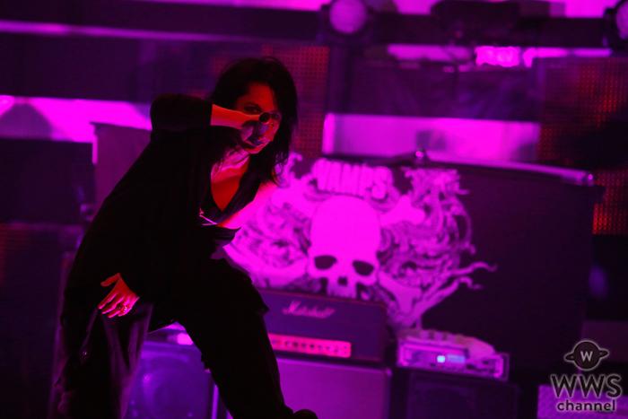【ライブレポート】セクシーすぎるHYDEの長髪&肌見せ!圧巻ライブで場内を魅了!「VAMPS」