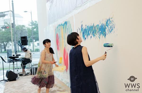 柴咲コウが美術館で熱唱!ライブペインティングで大宮エリーとアート共作!「うたは聴いてくれるその人に寄り添うもの」