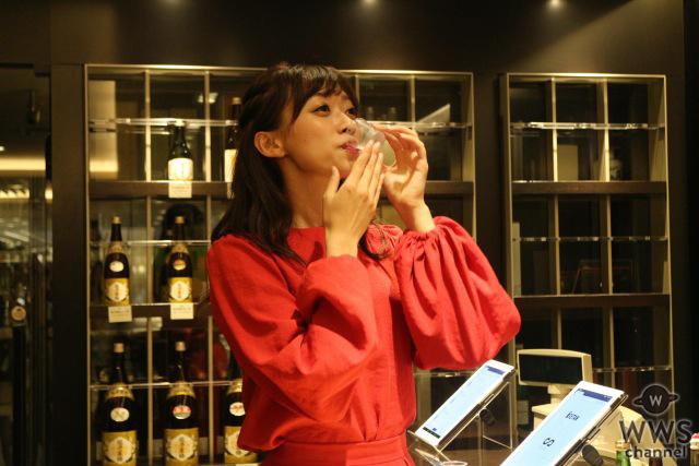 日本酒好きモデルの梨衣名が人工知能利き酒サービスを体験!「まさに好みの味」と驚きの声!