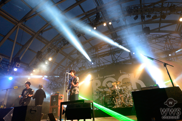 【ライブレポート】下北沢が生んだ新生ロックバンド・KEYTALKが今年もROCK IN JAPAN FESTIVALのステージで騒ぎ踊る!
