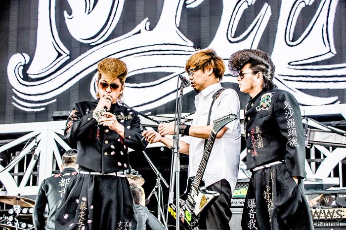 【ライブレポート】京都を代表するロックバンド、10-FEETが氣志團万博に登場!氣志團リーダー、綾小路 翔にカツアゲされる!?