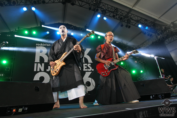 【ライブレポート】日本一午前中が似合わないバンド・人間椅子が初のROCK IN JAPAN FESTIVALの午前中に登場!
