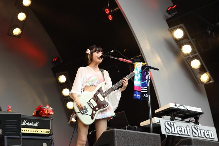 【ライブレポート】Silent SirenがROCK IN JAPAN FESTIVAL 2016で熱唱!「楽しい思い出つくりましょう!」