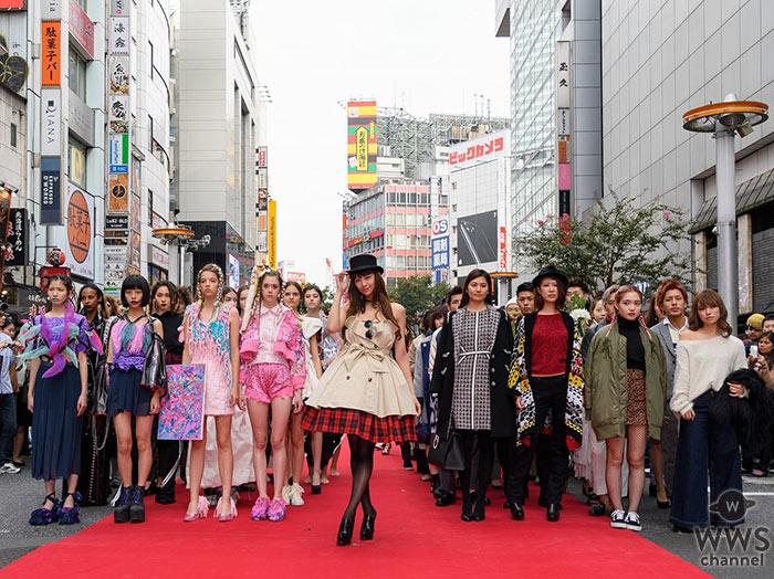 西内まりやがSEXYな肩出し衣装で渋谷のど真ん中で新曲「BELIEVE」を歌唱!「SHIBUYA RUNWAY」で盛大なフィナーレ!
