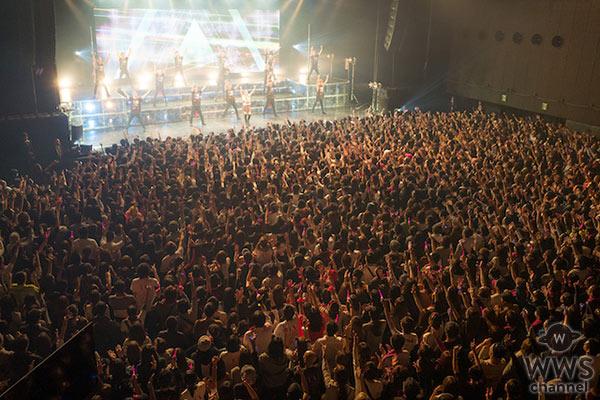 浜崎あゆみがSEXY過ぎる黒のミニスカで登場! ファンクラブツアー熱狂のファイナル公演!