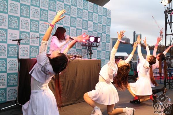 日本とアイドルが好きな女ヲタクグループ・おみやげが『もしフェス 2016』野外ステージを盛り上げる!