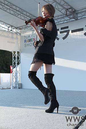 美しすぎるヴァイオリニスト・Ayasaが 東京ラーメンショーで圧巻の華麗なパフォーマンス!11/25には恵比寿でワンマンライブ開催!