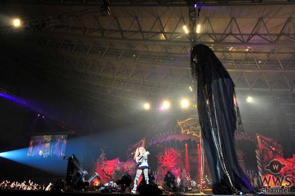 【ライブレポート】VAMPSハロウィン初日にHYDEとゴールデンボンバー・鬼龍院翔の『X』が披露されるなど豪華すぎるステージの連続!