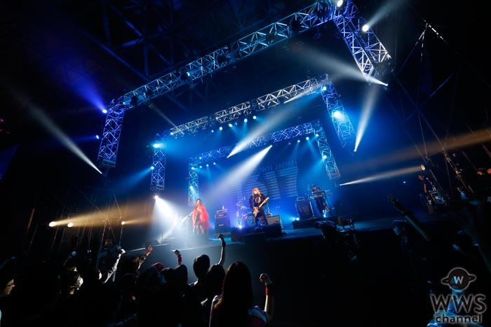 ヴィジュアル系バンドDECAYSが、COUNTDOWN JAPAN 16/17で妖艶なライブパフォーマンスを見せつける!
