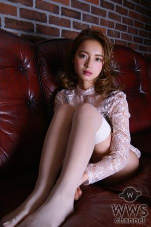 ギャル女王・遠山茜子が惜しみないセクシー水着グラビアをヤングキングで披露!
