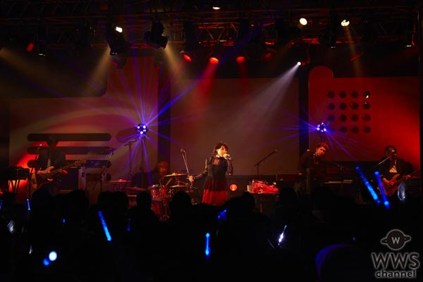家入レオがデビュー記念日に自身初のライブデビューを迎えた思い出の地でスペシャルイベントを開催!限定500名のファンとデビュー5周年をお祝い!
