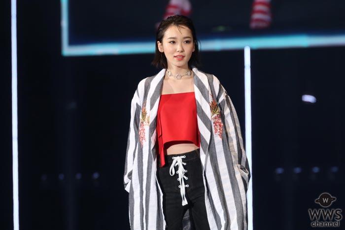 飯豊まりえがセクシーなへそ出しファッションで東京ガールズコレクション2017 S/Sに登場!
