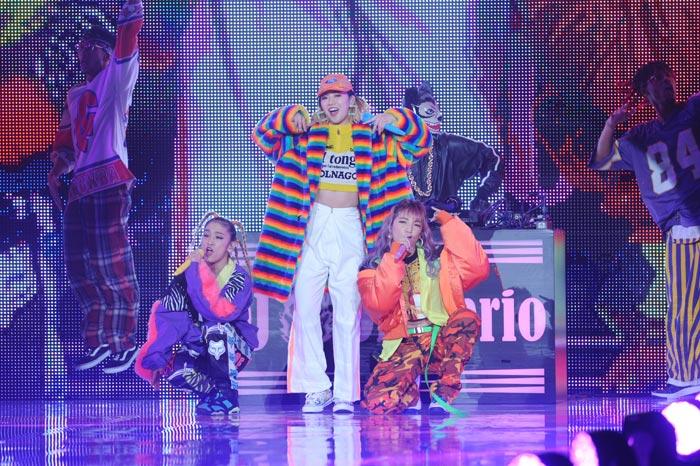 E-girlsからの派生ユニット・スダンナユズユリーが初の神戸コレクションでデビュー曲『OH BOY』を披露!