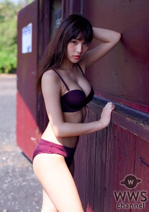 スパガ 浅川梨奈がセクシーグラビアで魅せる!1000年に1度の童顔巨乳の更なる進化に「最高傑作」との声も!