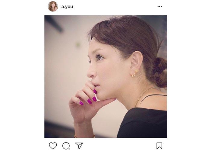 浜崎あゆみが美しすぎる横顔を披露!紫のネイルでアーティスト活動へのあつい魂を語る!