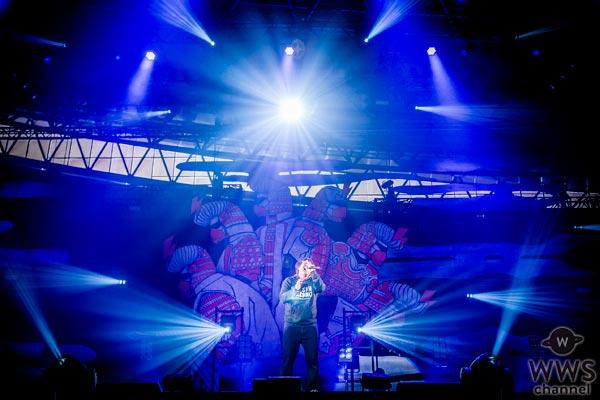 【ライブレポート】岡崎体育が氣志團万博軍唯一のソロアーティストとして登場!岡崎体育ワールドで会場を魅了!