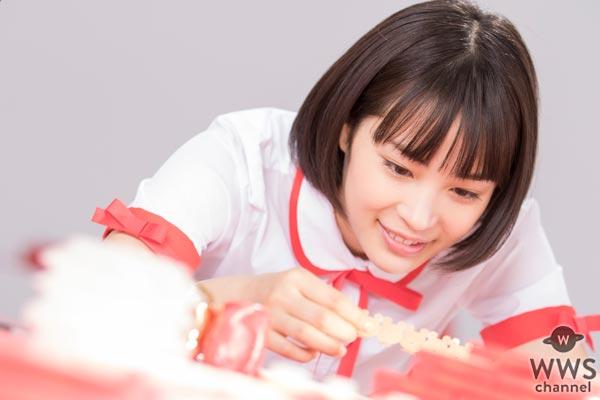 土屋太鳳、松井愛莉、広瀬すずが個性がありすぎるデコガーナづくり!母の日特別企画で、お母さんへメッセージ!