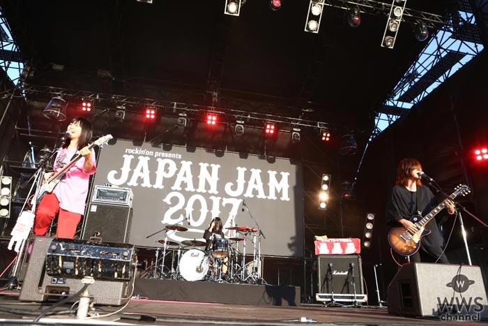 【ライブレポート】ヤバイTシャツ屋さんがJAPAN JAM 2017で夏に向かって叫んだ言葉は「ROCK IN JAPAN、行けるのかー!」