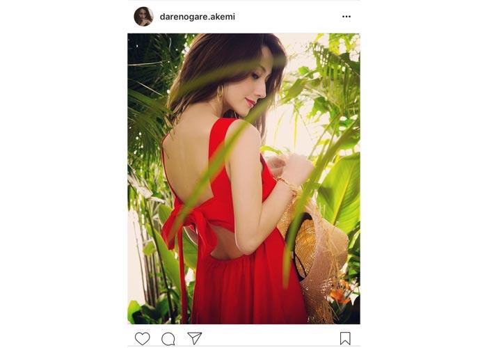 ダレノガレ明美がセクシーな美背中を披露しファンを魅了!「美しすぎです 大好き」