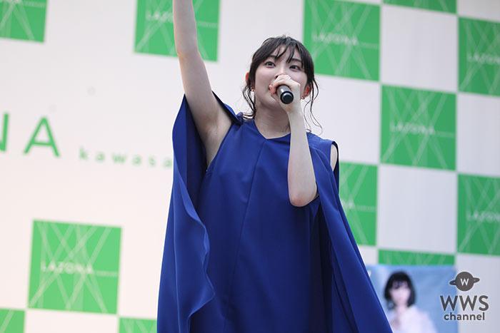 家入レオが新曲「ずっと、ふたりで」をラゾーナ川崎で披露!シークレットゲストで ドラマ「愛してたって、秘密はある。」出演の 川口春奈が登場!