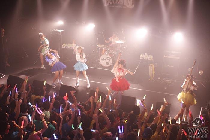 バンドじゃないもん!がツアーファイナルで初となるホールワンマンツアーの開催を発表!「アイドルとして踏まなければならない道がある」