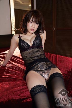 現役理科大生・菅井美沙がセクシーな水着姿で魅せる!少し大人になった表情にも注目!