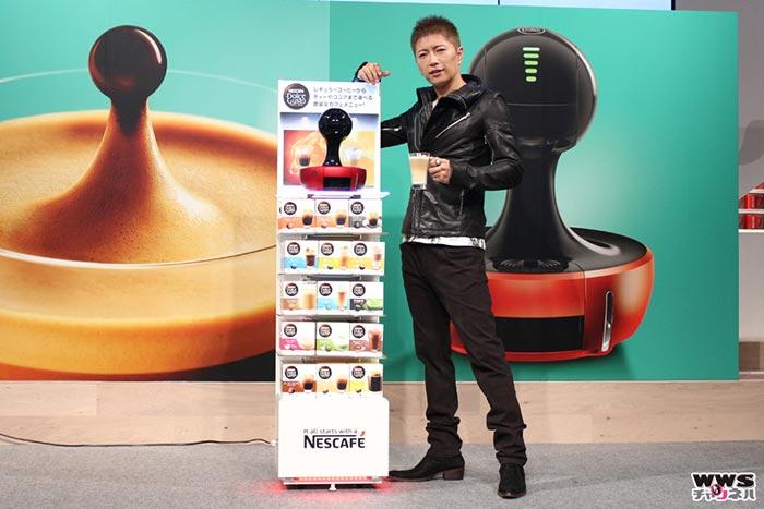 9月15日、『ネスカフェ ドルチェ グスト ドロップ』の新発売に伴って、期間限定カフェ『ネスカフェ ドルチェ グスト ドロップ 未来カフェ』がオープン。その記念イベントのゲストとしてGACKTが登壇した。