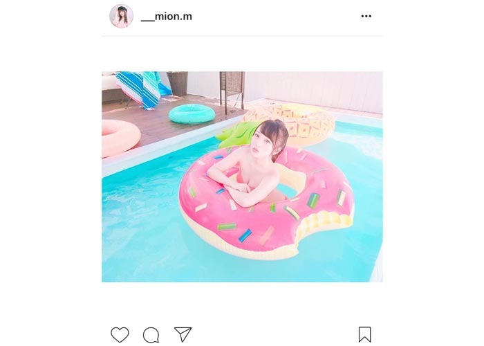 AKB48 向井地美音が水着姿のオフショットに「みーおん可愛すぎる」と絶賛の声!