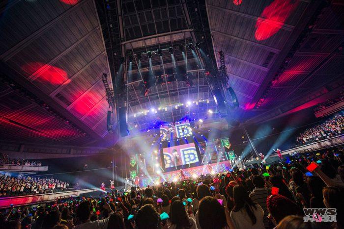 【ライブレポート】AAA、元旦ライヴにて今年開催のアリーナツアーが発表! リーダー・浦田「2016年もAAAらしく頑張っていきたいと思います!」