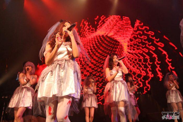 【ライブレポート】9人の死んだゾンビと1人のドラキュラでprediaが赤坂ハロウィンに登場!