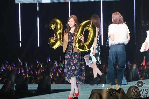 乃木坂46 白石麻衣が美しく可愛らしい笑顔で東京ガールズコレクション 2017 A/Wに登場!