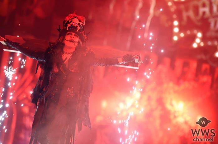 VAMPSが『HALLOWEEN PARTY 2017』初日に登場!HYDEはヴァンパイア、K.A.Zは狼男に仮装!