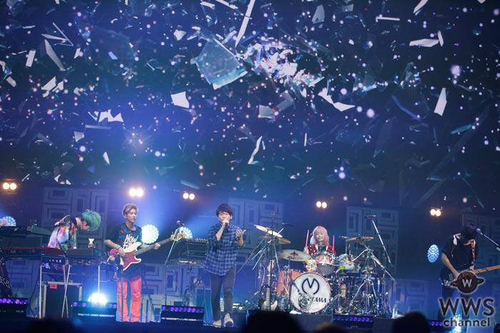 Mrs. GREEN APPLEが『バズリズム LIVE 2017』に登場!重厚なサウンドが渾然一体となり、唯一無比のうねりを生み出す!