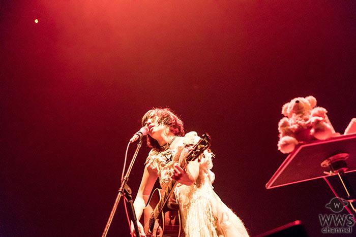【ライブレポート】大森靖子が一人きりの弾語りワンマンで中野サンプラザを埋め尽くす ! 個性ほとばしる演奏、そしてファンと触れ合った熱いファイナル公演!