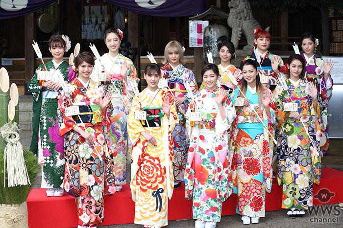 新生 E-girlsメンバー11人全員が艶やかな晴れ着姿で最新シングルヒット祈願!