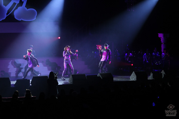 【ライブレポート】Miracle Vell Magicが紫のモビールスーツでクールなパフォーマンスを披露!「ディズニーの映画や音楽が私の人生の真ん中にありました。」