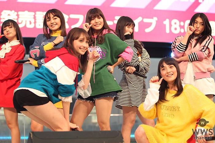 沖縄出身の7人組ガールズグループ・Chuning Candyが激しいダンスパフォーマンスで東京初ライブを披露!