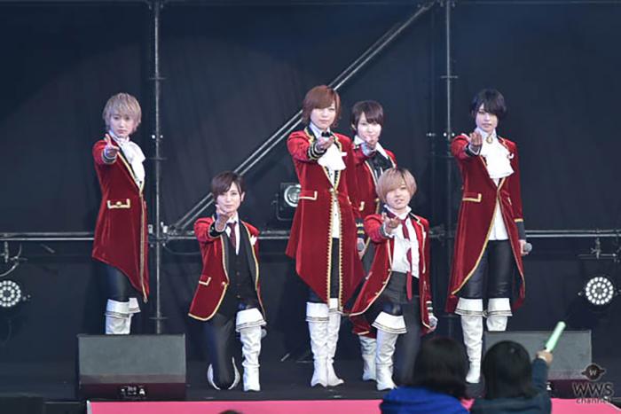 7人組イケメン女子グループ・ザ・フーパーズが王子様ルックで女子高生を虜に!