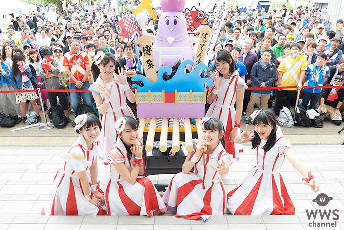 ばってん少女隊がシングル「無敵のビーナス」リリースイベント最終日 巨大茄子(ナス)の「神輿のビーナス」を披露!