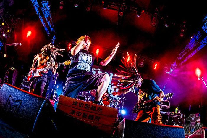 【ライブレポート】マキシマム ザ ホルモンがJAPAN JAM 2018で軽快なトークと激しいロックな楽曲を織り交ぜた怒涛の40分でオーディエンスを圧倒!