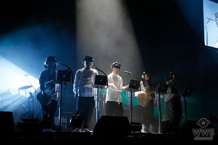 【ライブレポート】サカナクションがJUMP MUSIC FESTA初日のトリで登場! 映画『バクマン。』の主題歌『新宝島』含む7曲ノンストップで奏でる!