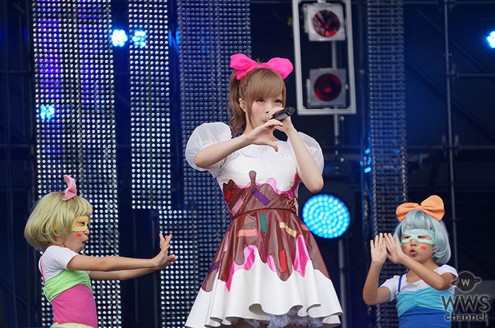 【写真特集】きゃりーぱみゅぱみゅがピンクのリボンを付けた可愛らしい衣装で登場! <ROCK IN JAPAN FESTIVAL 2013>