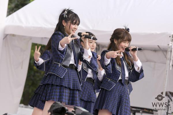 BNK48が海外アイドル初のTIFに参戦!熱気の野外ステージで『RIVER』を力強く披露!