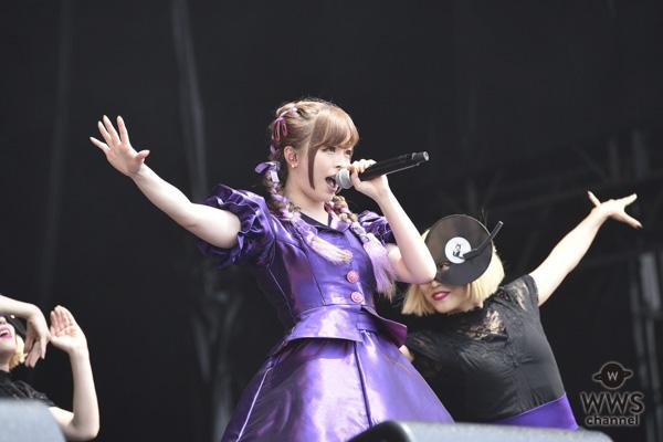 きゃりーぱみゅぱみゅが2日目のトップバッターに登場!デビューから7年連続出演となるROCK IN JAPAN FESTIVALのオープニングに華を添える。